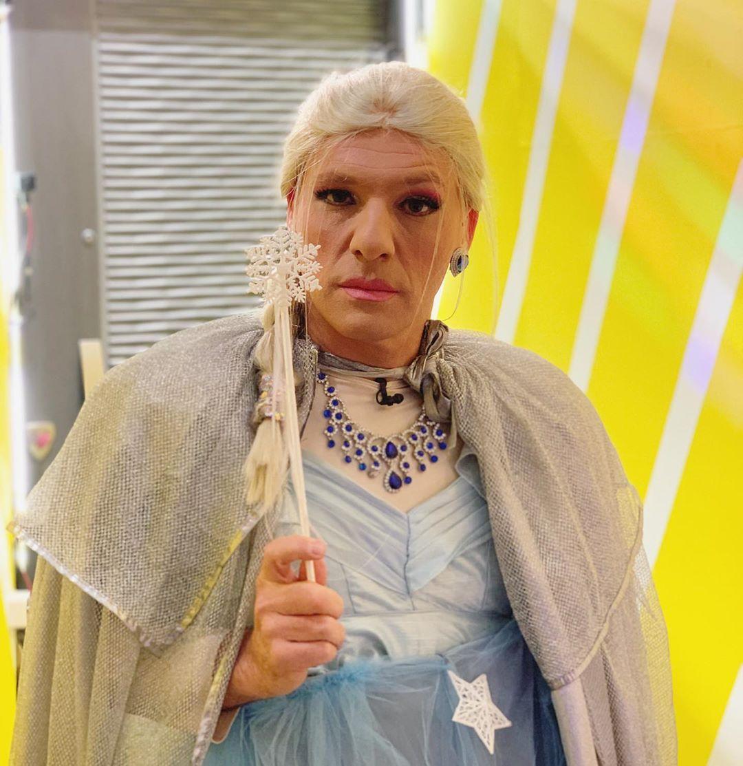 Νίκος Μουτσινάς: Μας τρέλανε σήμερα στο Καλό Μεσημεράκι ως… πριγκίπισσες της Disney! [vid] | tlife.gr