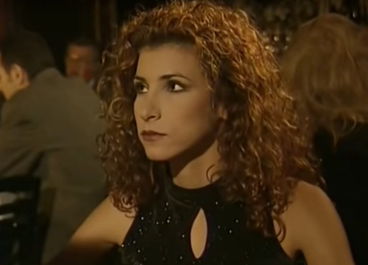 Μαρία Παπαλάμπρου: Η «Νάνσυ» από το «Και οι παντρεμένοι έχουν ψυχή» ποζάρει μαζί με την κούκλα 15χρονη κόρη της   tlife.gr