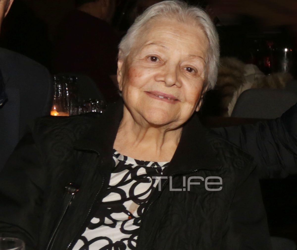 Mαίρη Λίντα: Σπάνια έξοδος για τη αγαπημένη τραγουδίστρια που ζει στο γηροκομείο! [pics]   tlife.gr