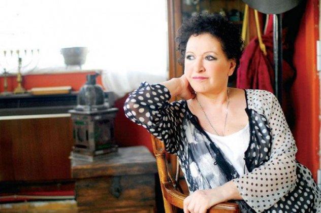 Στο νοσοκομείο η Μάρθα Καραγιάννη -Τι συμβαίνει με την υγεία της; | tlife.gr