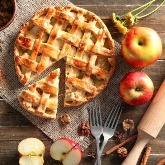 Σπιτική και νόστιμη μηλόπιτα   tlife.gr