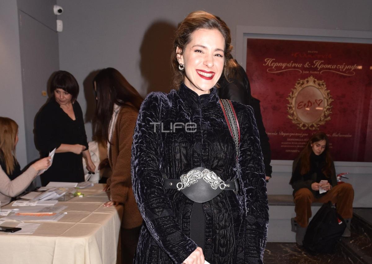 Νατάσσα Μποφίλιου: Θεατρική βραδιά για την τραγουδίστρια! [pics]