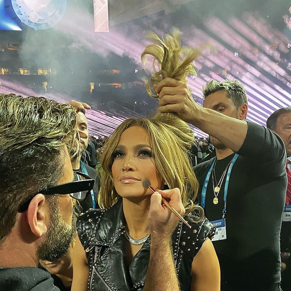 Πού θα βρεις αποκλειστικά στην Ελλάδα την παλέτα που χρησιμοποίησε ο makeup artist της JLO για το Super Bowl!