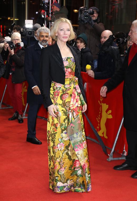 H Cate Blanchett με Dries Van Noten | tlife.gr