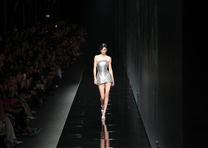 To show του οίκου Versace