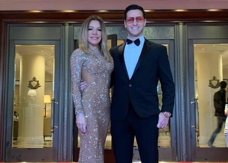 ΟΣΚΑΡ 2020: Εκθαμβωτική η Μαριάννα Λάτση με τον γιο της Φίλιππο στο red carpet! Φωτογραφία   tlife.gr