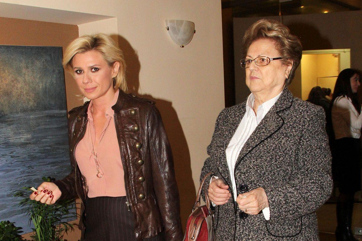 Κατερίνα Καραβάτου: «Η μαμά μου ανήκει στις ευπαθείς ομάδες και…» [video]   tlife.gr