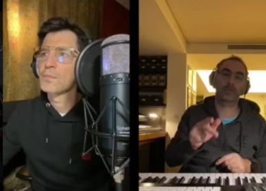 Σάκης Ρουβάς: Διασκευάζει και τραγουδά παλιά τραγούδια με τον Δημήτρη Κοντόπουλο! Βίντεο | tlife.gr