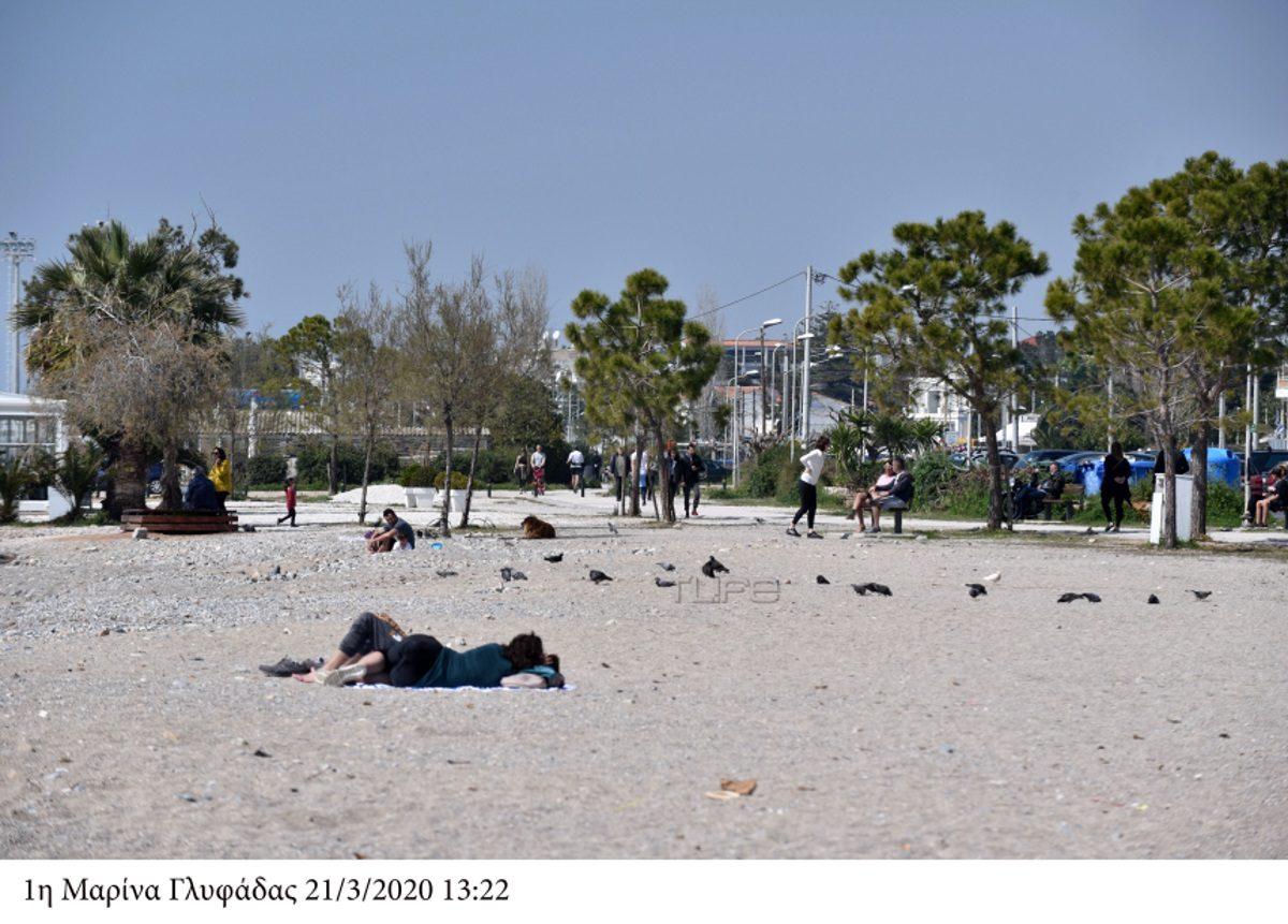 Κορονοϊός: Άδειασαν οι δρόμοι και… γέμισε η θάλασσα στη Γλυφάδα – Φωτορεπορτάζ | tlife.gr