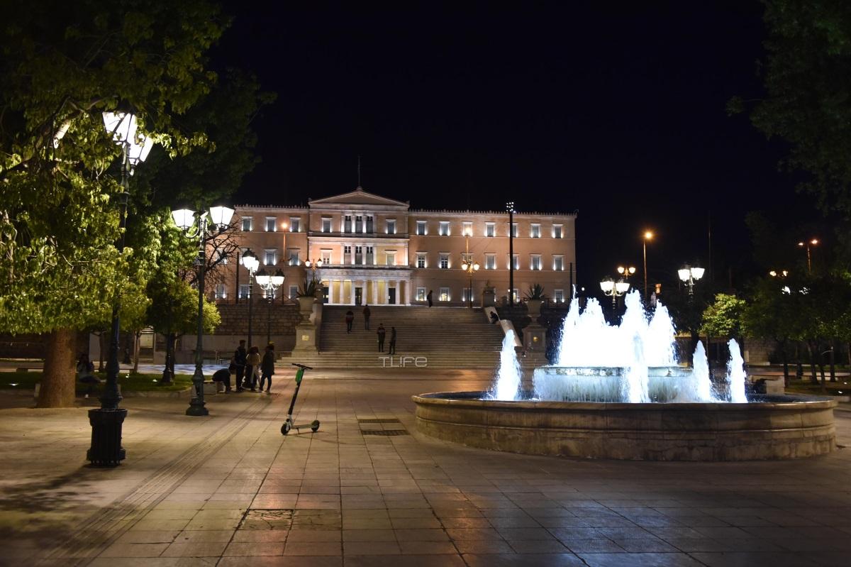 Κορονοϊός: Όταν βραδιάζει το κέντρο της Αθήνας γίνεται έρημη πόλη! Φωτορεπορτάζ