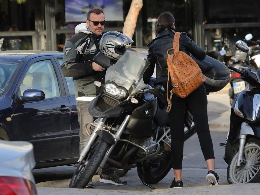 Τόνυ Δημητρίου: Βόλτες με τη μηχανή με την κούκλα σύντροφό του! Φωτογραφίες | tlife.gr