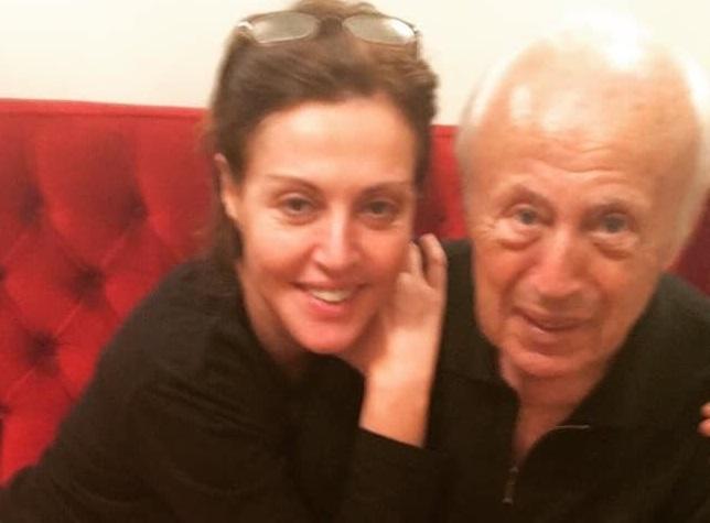 Αλεξάνδρα Παλαιολόγου: Ραγίζει καρδιές το μήνυμά της, πέντε μέρες μετά τον θάνατο του πατέρα της   tlife.gr