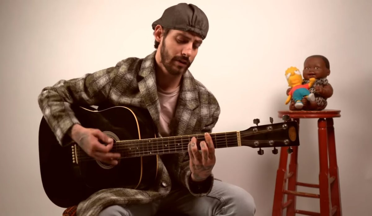Αναστάσιος Ράμμος: To video του για το «Μένουμε Σπίτι» και τους διαδικτυακούς του φίλους! | tlife.gr