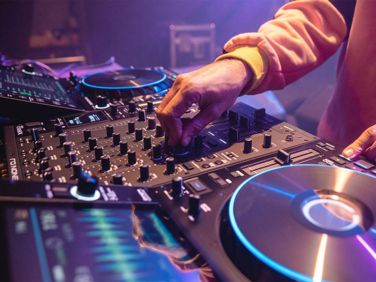 Θύμα του κορονοϊού γνωστός DJ – Πέθανε σε ηλικία 44 ετών | tlife.gr