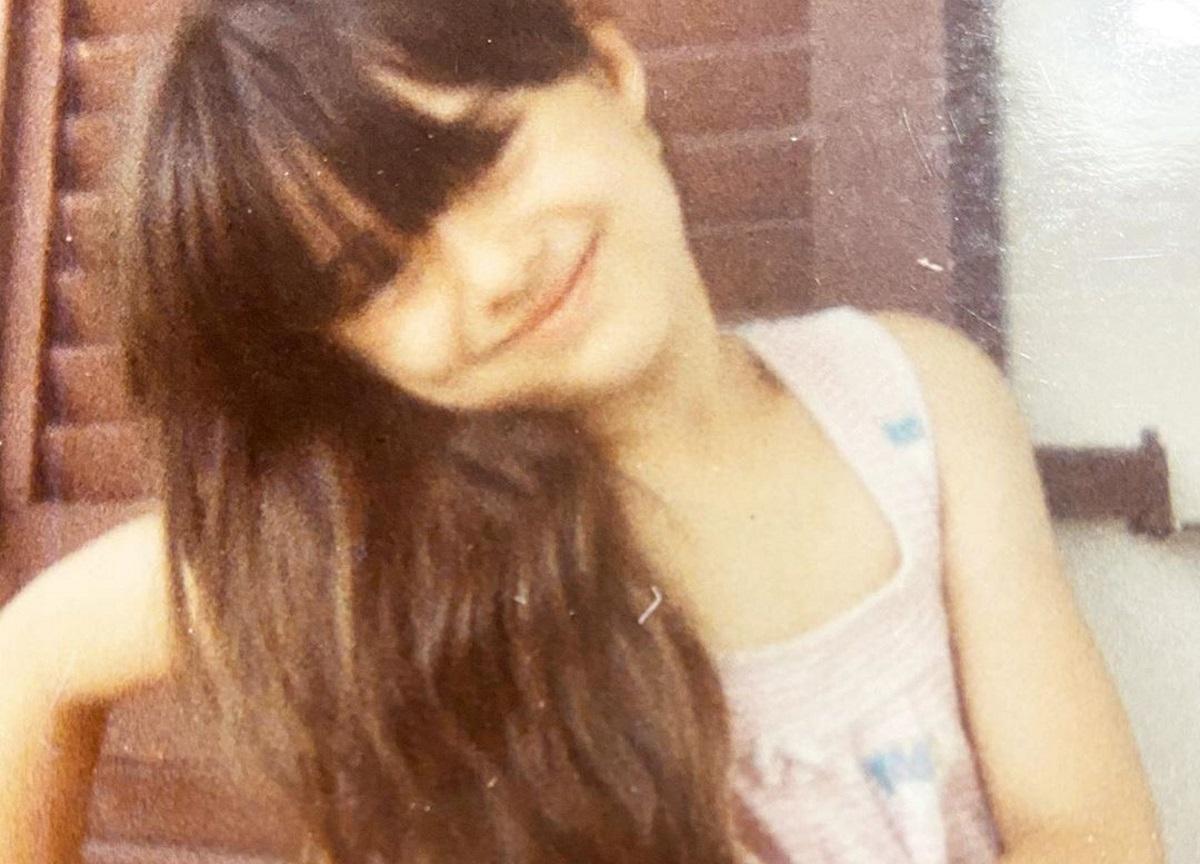 Αναγνωρίζεις το κοριτσάκι της φωτογραφίας; Είναι γνωστή παρουσιάστρια