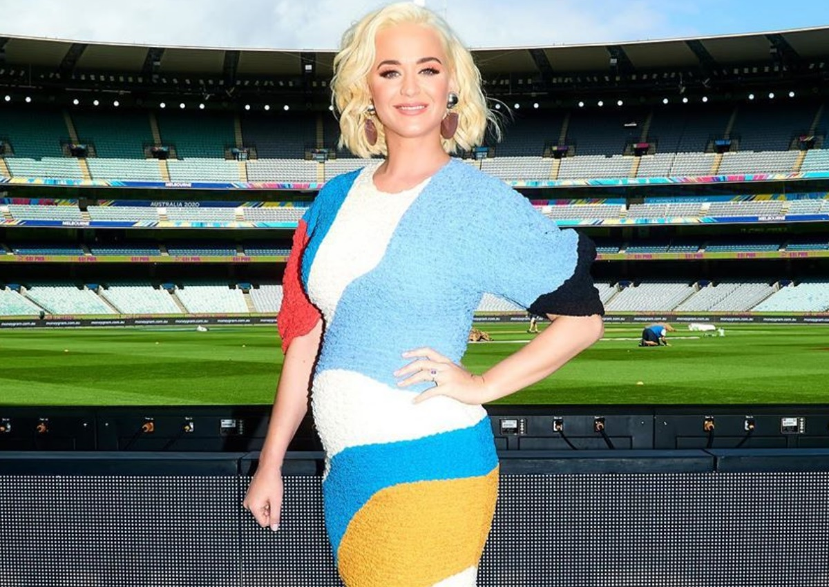 Katy Perry: Δημοσίευσε τις πρώτες φωτογραφίες της με φουσκωμένη κοιλίτσα!