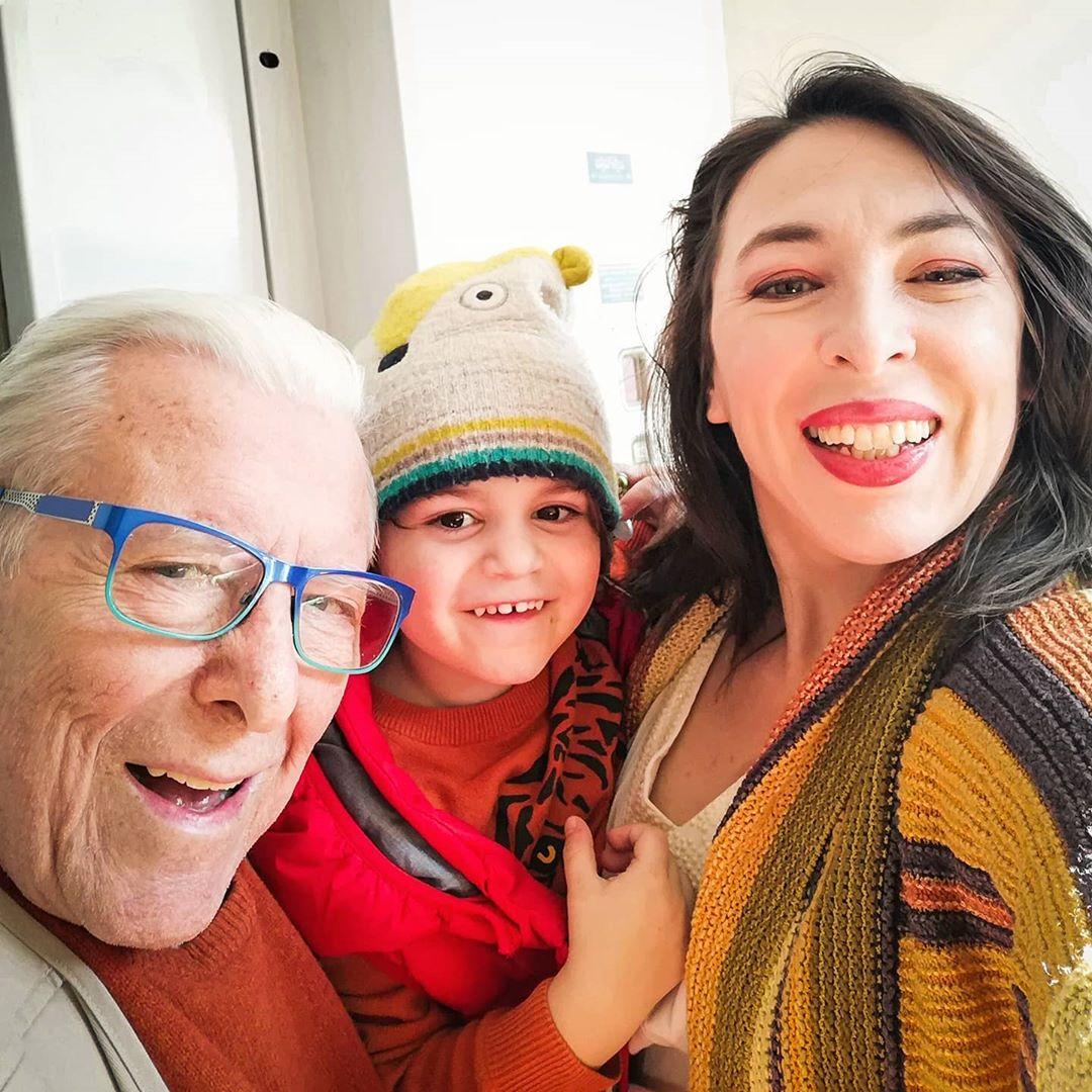 Αλίκη Κατσαβού: Ραγίζει καρδιές το βίντεο με τον Κώστα Βουτσά και τον Φοίβο τα 4 χρόνια που έζησαν μαζί! | tlife.gr