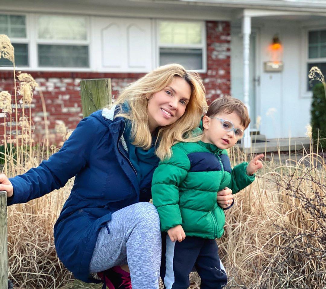 Χριστίνα Αλούπη: Έξαλλη με τους γείτονές της στην Αμερική που είναι όλοι έξω, παρά την πανδημία! Βίντεο | tlife.gr