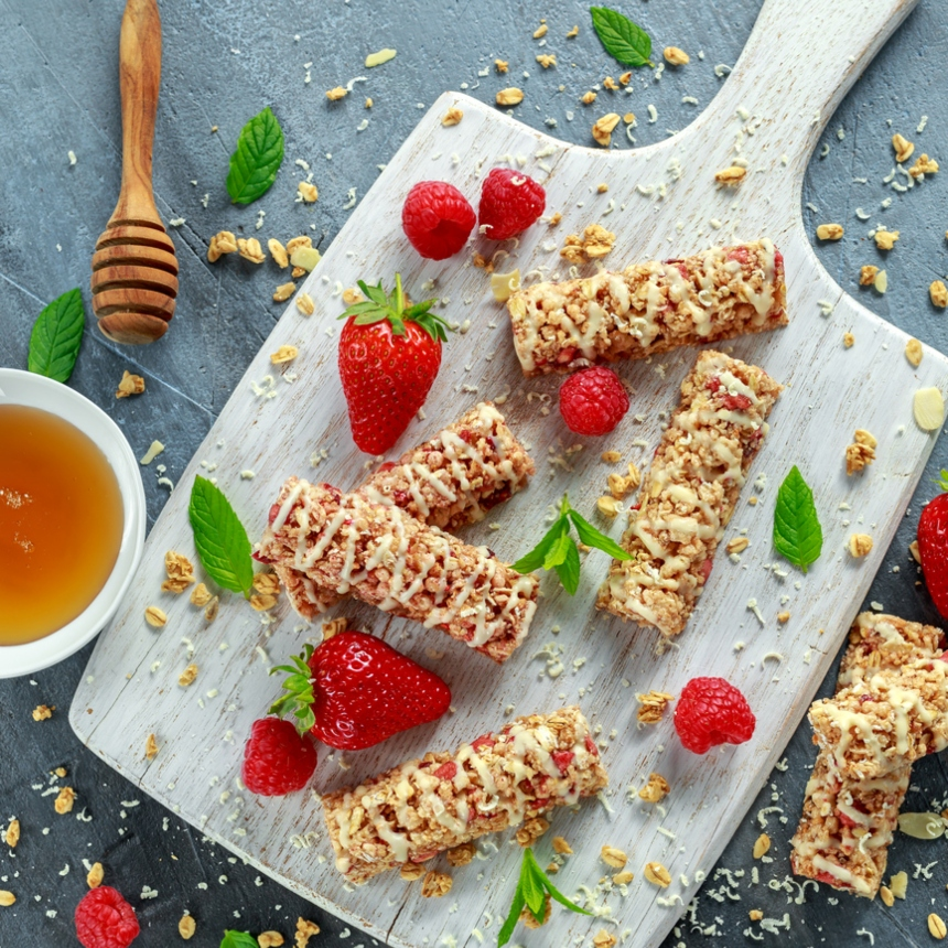 Συνταγή: Σπιτική μπάρα δημητριακών με φράουλες