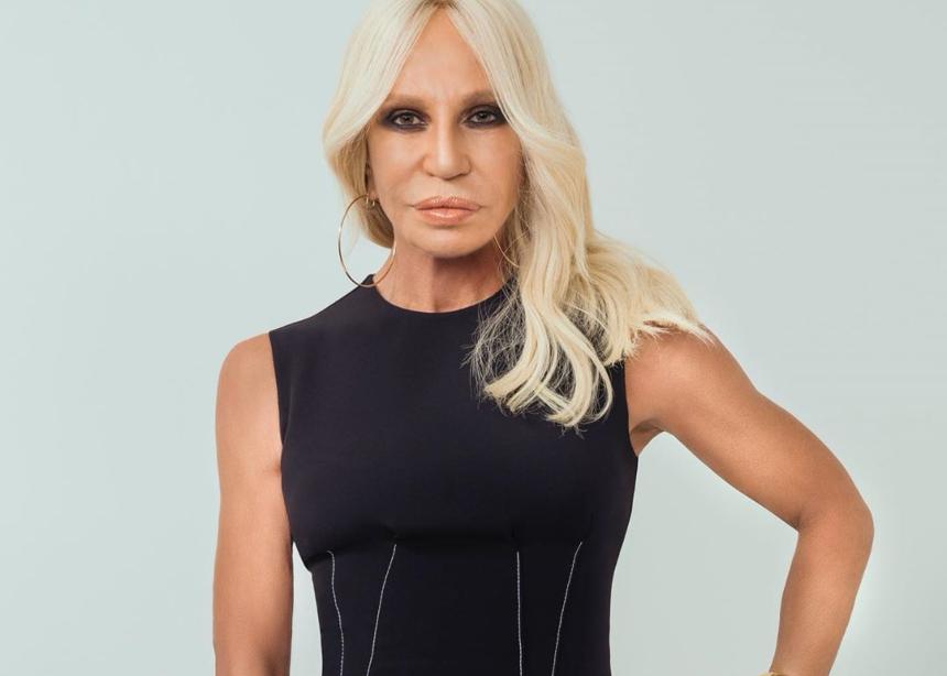 Δεν θα πιστεύεις τι φόρεσε η Donatella Versace | tlife.gr