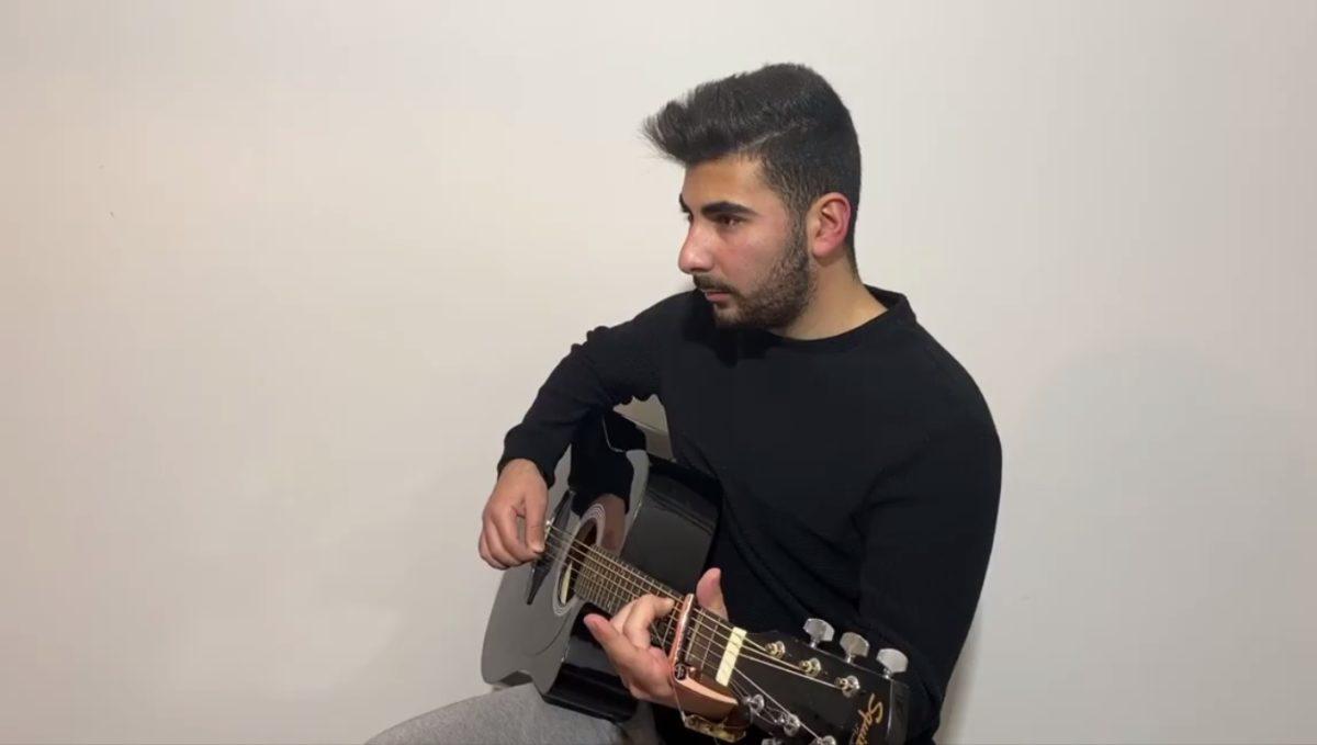 Ο Κωνσταντίνος Παντελίδης τραγουδά στο YouTube και θυμίζει ανατριχιαστικά τον Παντελή! [video] | tlife.gr