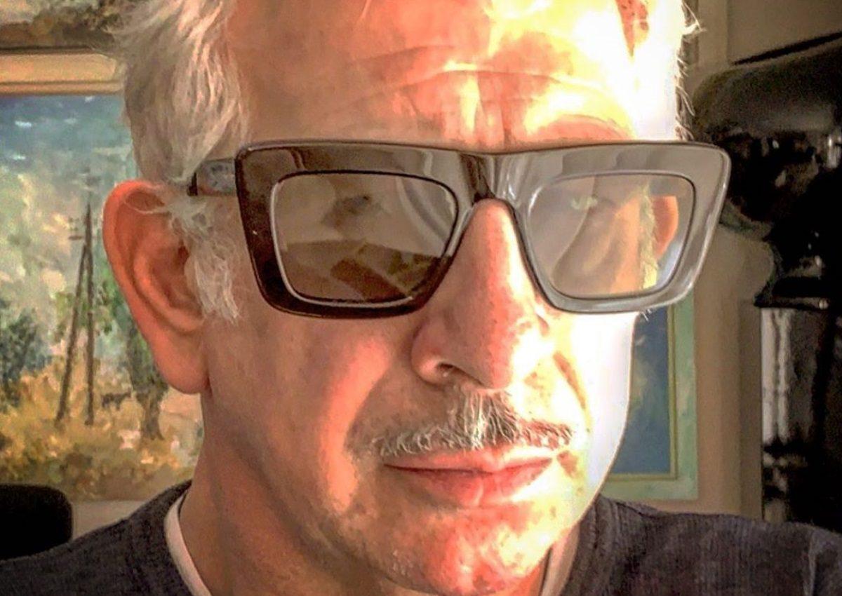 Πέτρος Φιλιππίδης: Βγήκε για καφέ… στο μπαλκόνι του σπιτιού του! [video]   tlife.gr