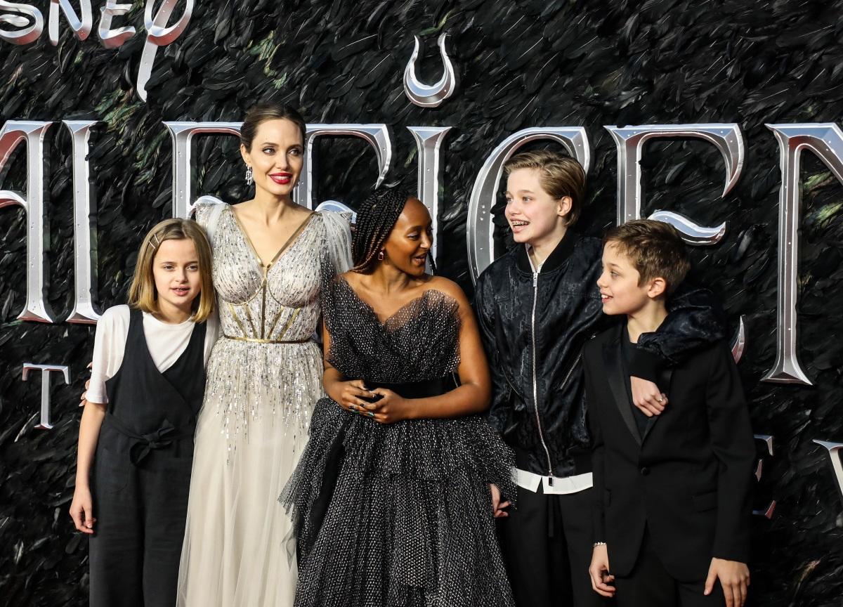 Angelina Jolie: Αποκάλυψε ότι οι κόρες της υποβλήθηκαν σε χειρουργείο!