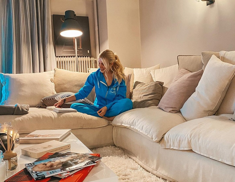 Η απαγόρευση της κυκλοφορίας ανέβαλε την τηλεοπτική επιστροφή της Κατερίνας Καινούργιου | tlife.gr