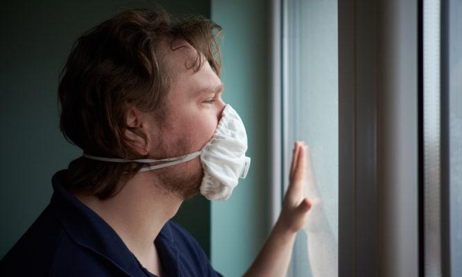 Κορωνοϊός: Μπορεί να έχεις συμπτώματα ακόμα και μετά την καραντίνα 14 ημερών – Τι έδειξε νέα έρευνα! | tlife.gr