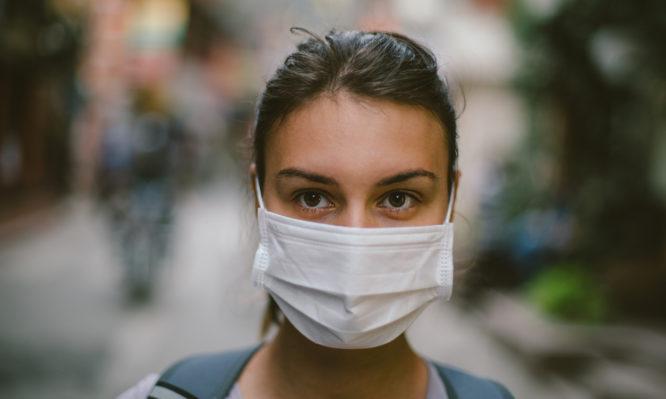 Κορoνοϊός: Προστατεύουν οι ιατρικές μάσκες προσώπου; Τι ισχύει | tlife.gr