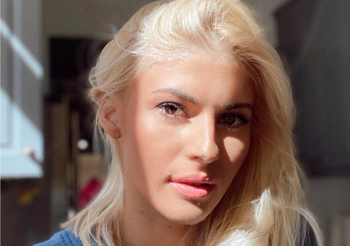 Όλγα Πηλιάκη: Ο Στέλιος Χανταμπάκης της βάφει τα μαλλιά εν μέσω καραντίνας [video] | tlife.gr