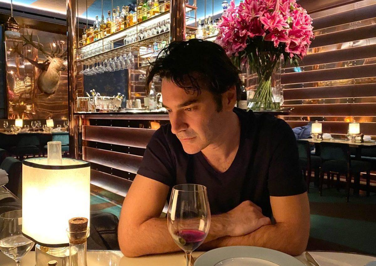 Χριστόφορός Παπακαλιάτης: Η ταινία μικρού μήκους που ετοίμασε για το «Μένουμε σπίτι»! | tlife.gr