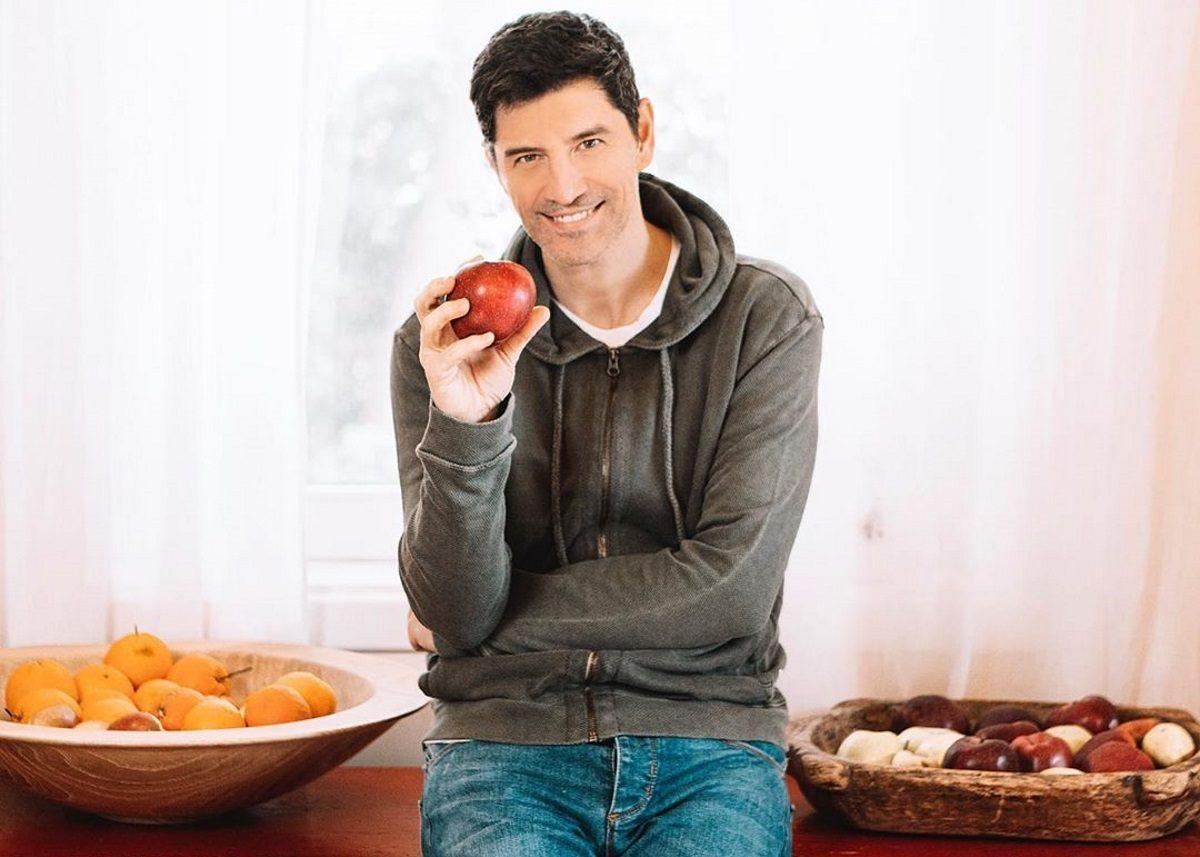 Σάκης Ρουβάς: Το σούπερ υγιεινό σνακ που ετοίμασε για τα παιδιά του [pic]   tlife.gr