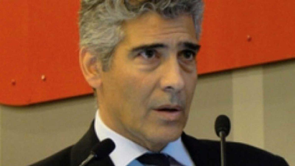 Θετικός στον κορονοϊό ο πρόεδρος της Ιατρικής Σχολής Αθηνών | tlife.gr