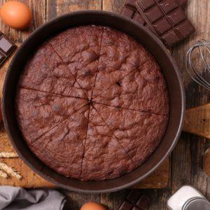 Συνταγή για Πεντανόστιμο κέικ σοκολάτας με 5 μόλις υλικά!