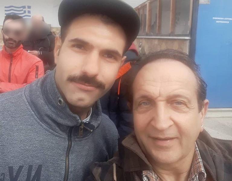 Γιώργος Καρκάς: Ο Σπύρος Μπιμπίλας και οι φίλοι του στην αποφυλάκισή του! Φωτογραφίες | tlife.gr