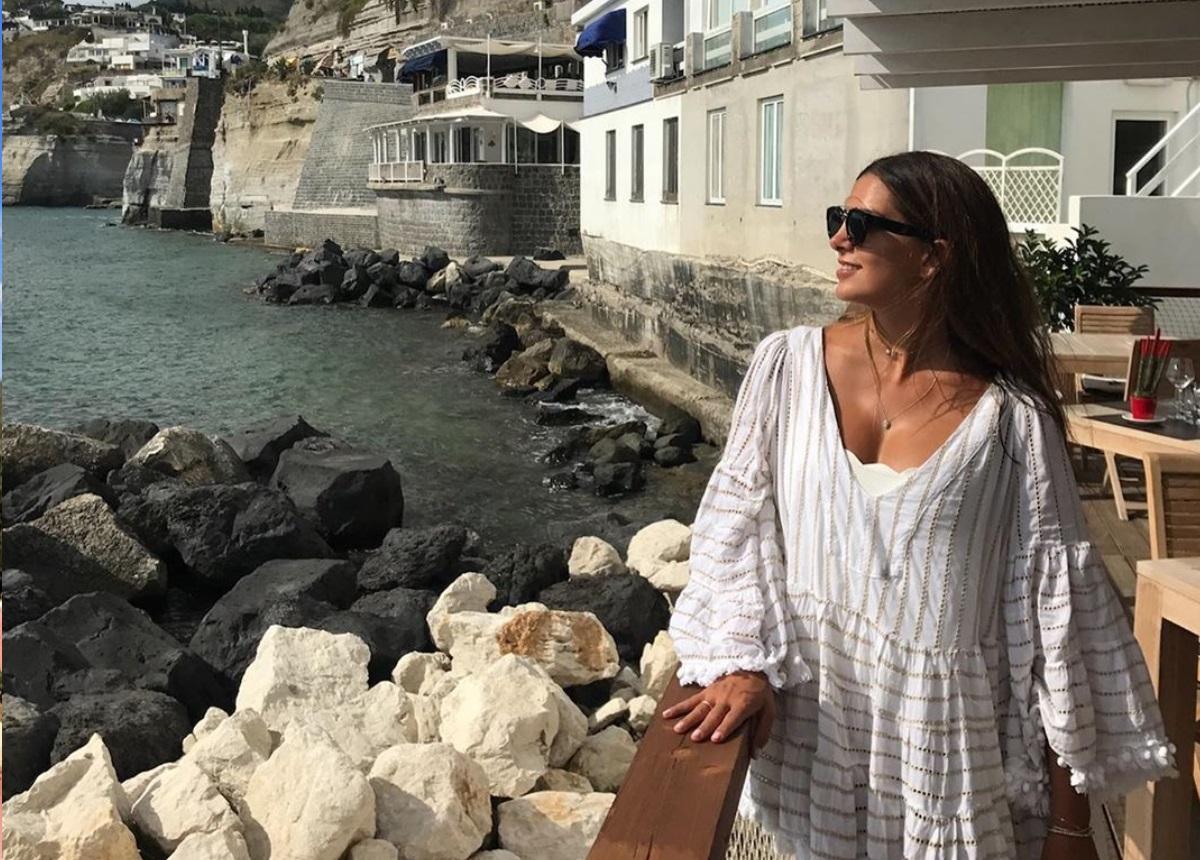 Σταματίνα Τσιμτσιλή: Δημόσια στήριξη στην Ιταλία και οι φωτογραφίες από τα ταξίδια της εκεί!