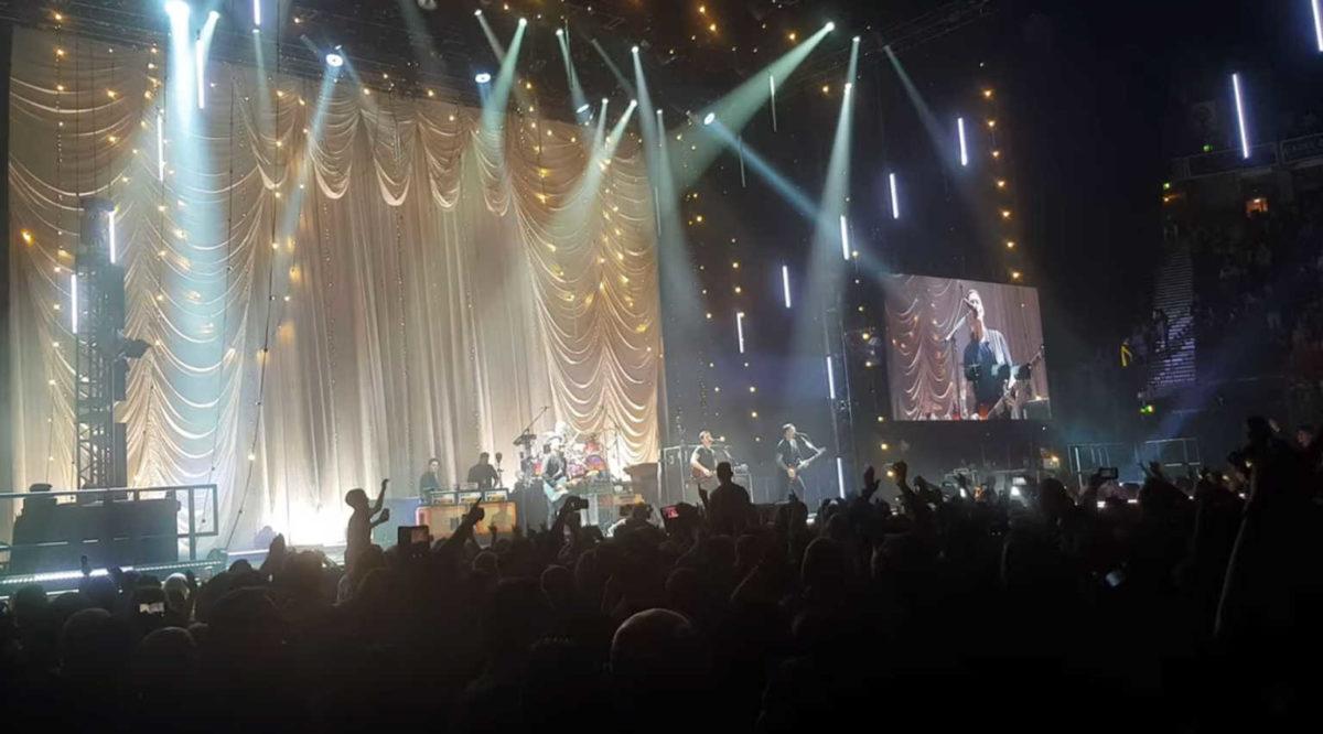 Απίστευτο: Χιλιάδες στη συναυλία των Stereophonics, στη Βρετανία! 20% πάνω τα κρούσματα | tlife.gr