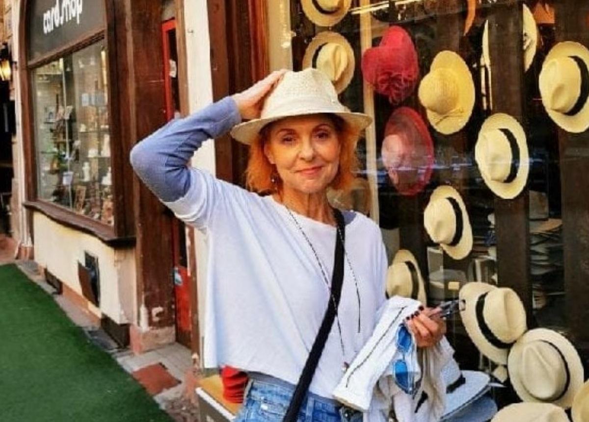 Ναταλία Τσαλίκη: Μένει σπίτι και μας προτρέπει να γνωρίσουμε τον… εαυτό μας!