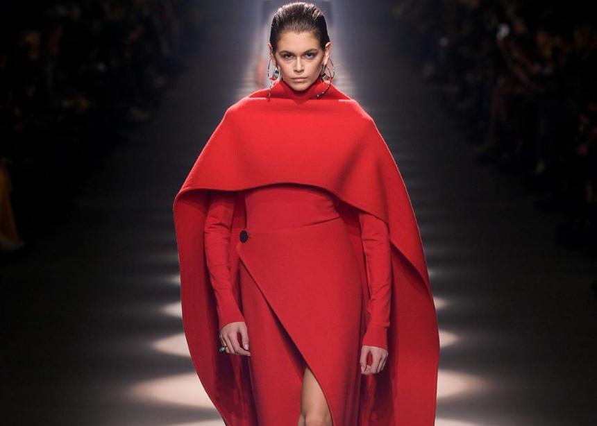 Valentino, Givenchy, Βalenciaga: 3 μεγάλοι οίκοι στα catwalk του Παρισιού!
