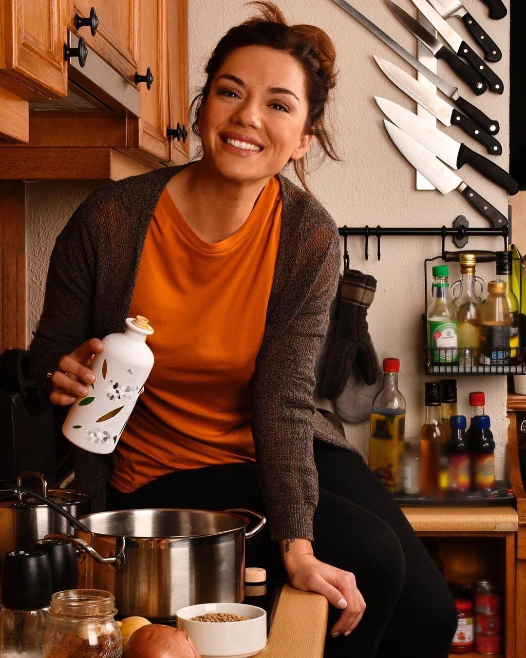 Βάσω Λασκαράκη: Οι μαγειρικές δημιουργίες με τον Λευτέρη Σουλτάτο και τα παιχνίδια με την κόρη της! [pics]
