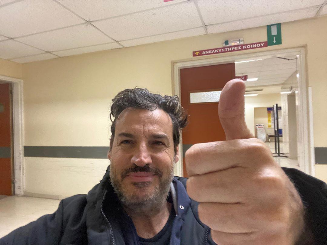 Aλέξης Αλεξίου: Βγήκε από το νοσοκομείο, αφού νίκησε τον κορονοϊό, την πενυμονία και την γρίπη | tlife.gr