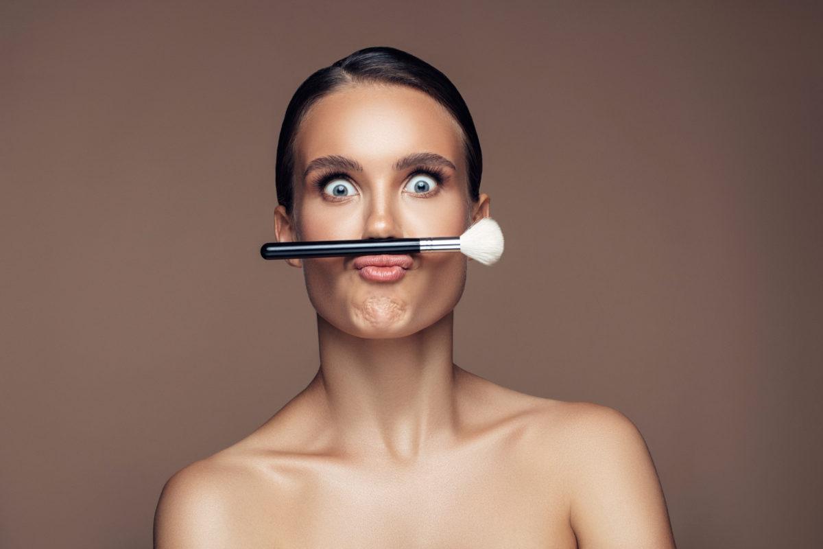 To brush challenge είναι το νέο απολαυστικό beauty challenge στο TikTok! | tlife.gr