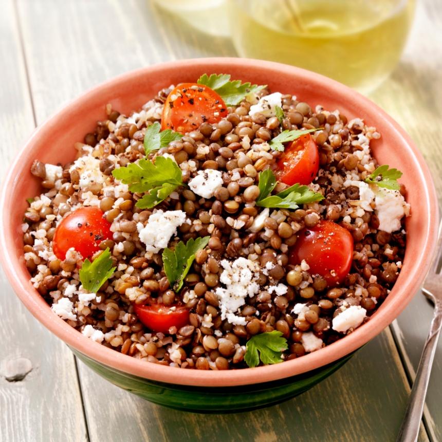 Συνταγή για θρεπτική σαλάτα με φάκες και κινόα