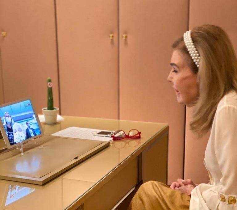 Μαριάννα Βαρδινογιάννη: Συγκινεί η επικοινωνία της μέσω Skype με τα παιδιά της ΕΛΠΙΔΑΣ! Φωτογραφίες