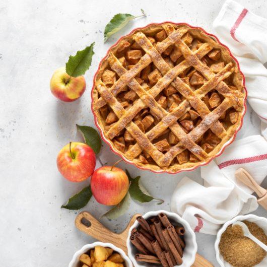 Συνταγή για αρωματική μηλόπιτα | tlife.gr