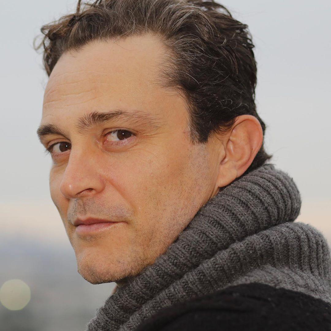 Γιώργος Καραμίχος: Αγνώριστος ο αγαπημένος ηθοποιός! Φωτογραφία
