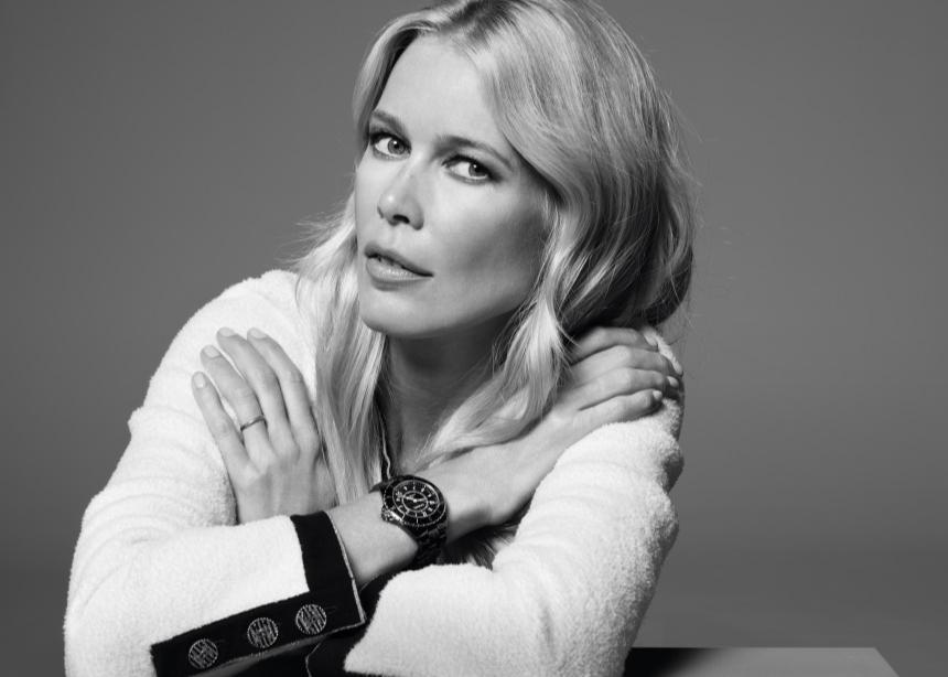 Η Claudia Schiffer στην νέα Chanel καμπάνια