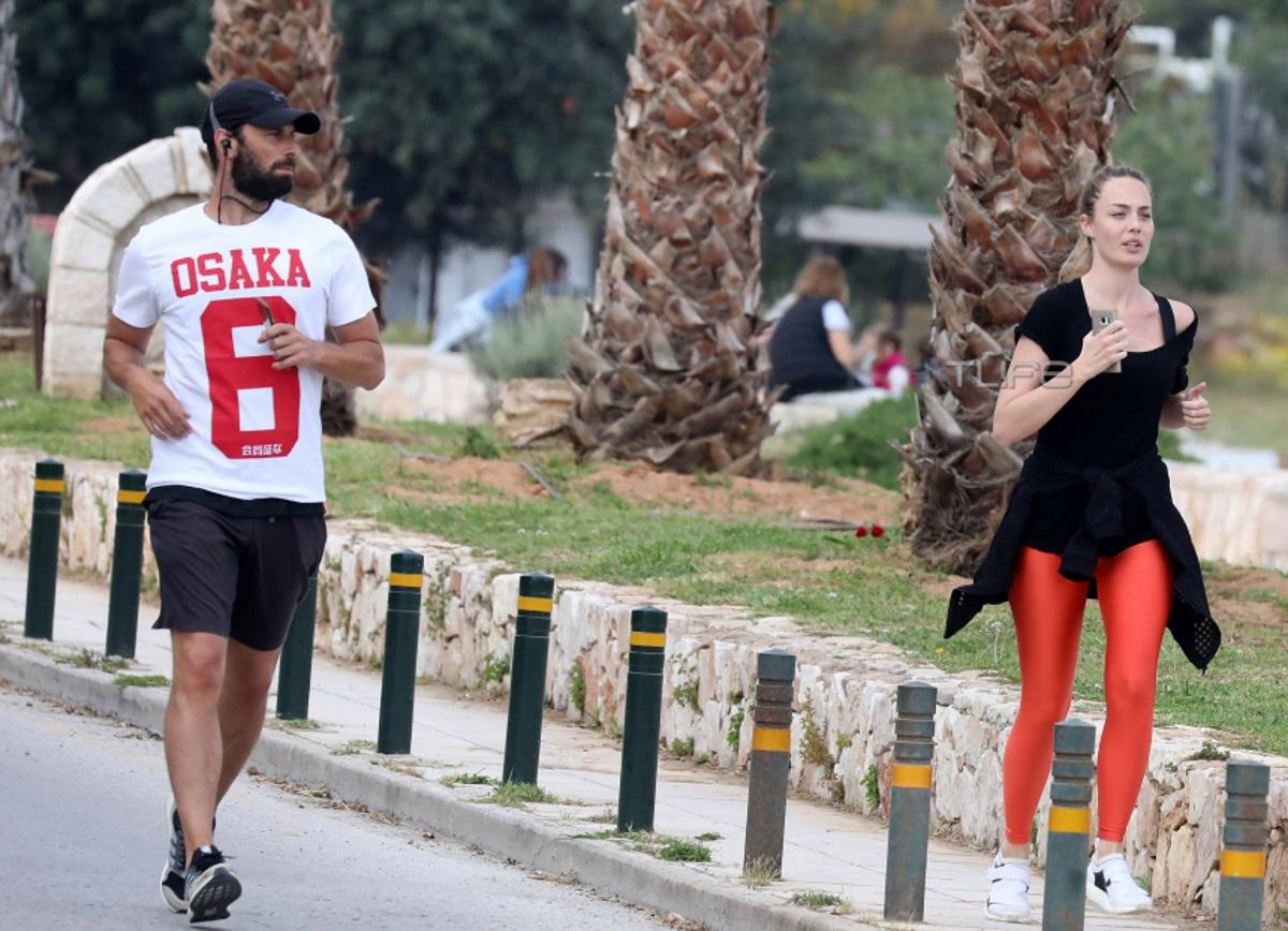 Αντωνία Καλλιμούκου: Για τρέξιμο μαζί με τον σύντροφό της στα νότια προάστια [pics]