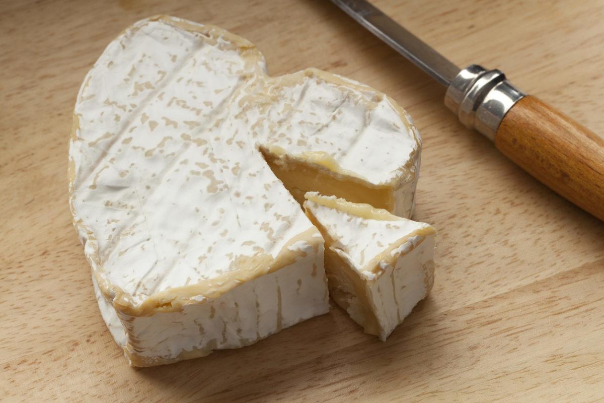 Τι συμβαίνει στην καρδιά αν τρώτε τυρί κάθε μέρα;